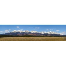 A Magas-Tátra hegylánca dél felől (tavasz)